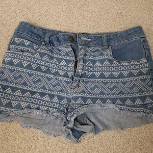 High-waisted tribal design Jean shorts